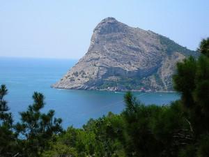 Парк чудес в Крыму у подножия Белой скалы