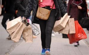 Магазины столицы Франции весь декабрь будут работать по воскресеньям