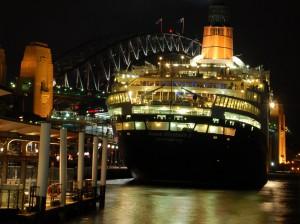 Круизный лайнер Королева Елизавета II станет плавучей гостиницей