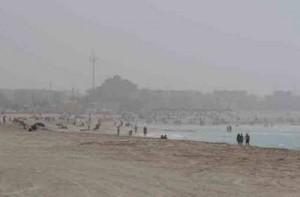 В связи плохими погодными условиями власти Дубаи закрыли все пляжи