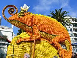 Парад цитрусовых проходит на Лазурном побережье Франции