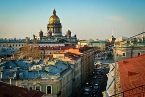 В Петербурге планируют официально разрешить экскурсии и по крышам