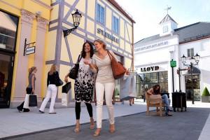 Российские туристы ежегодно тратят на свой отдых за рубежом триллион рублей