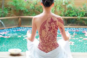В Шри-Ланку не пускают туристов с буддистскими татуировками.