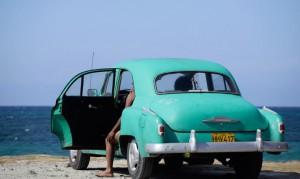 Куба предлагает туристам покататься на ретро-такси