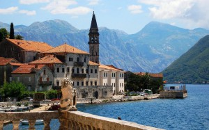 Пляжи Черногории привлекают российских туристов